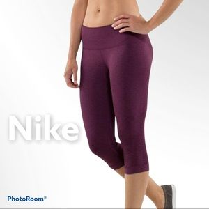 Nike M cropped active dark plum leggings